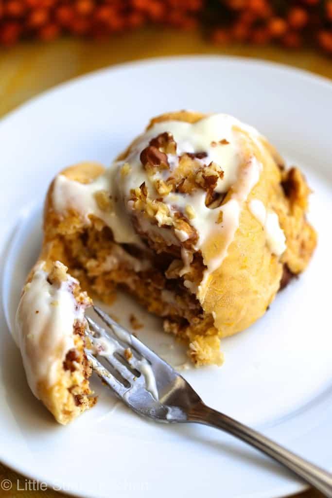 pumpkin rolls cinnamon