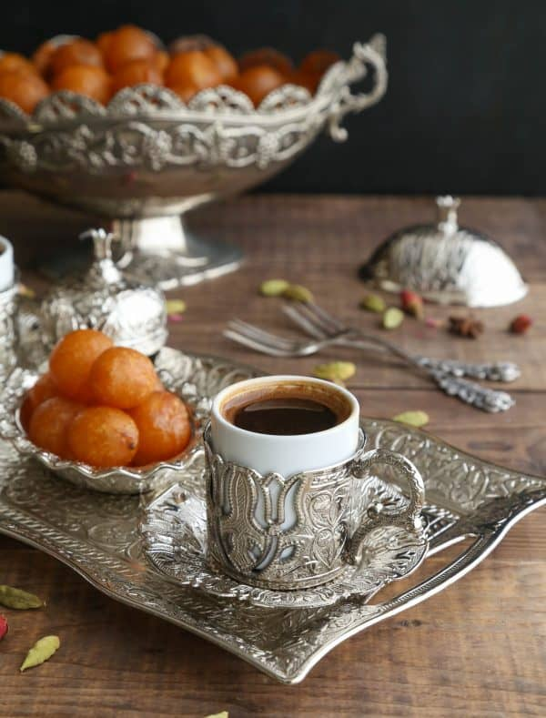 Simple and delicious sweet balls that are popular in the levant countries